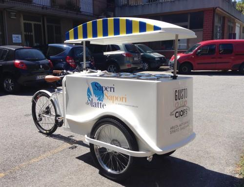 Pubblicità gelateria in movimento