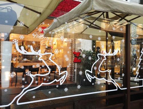 Decorazione natalizia su vetro