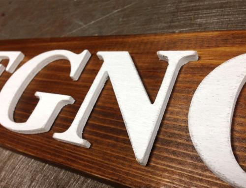 Insegna lettere in legno verniciate